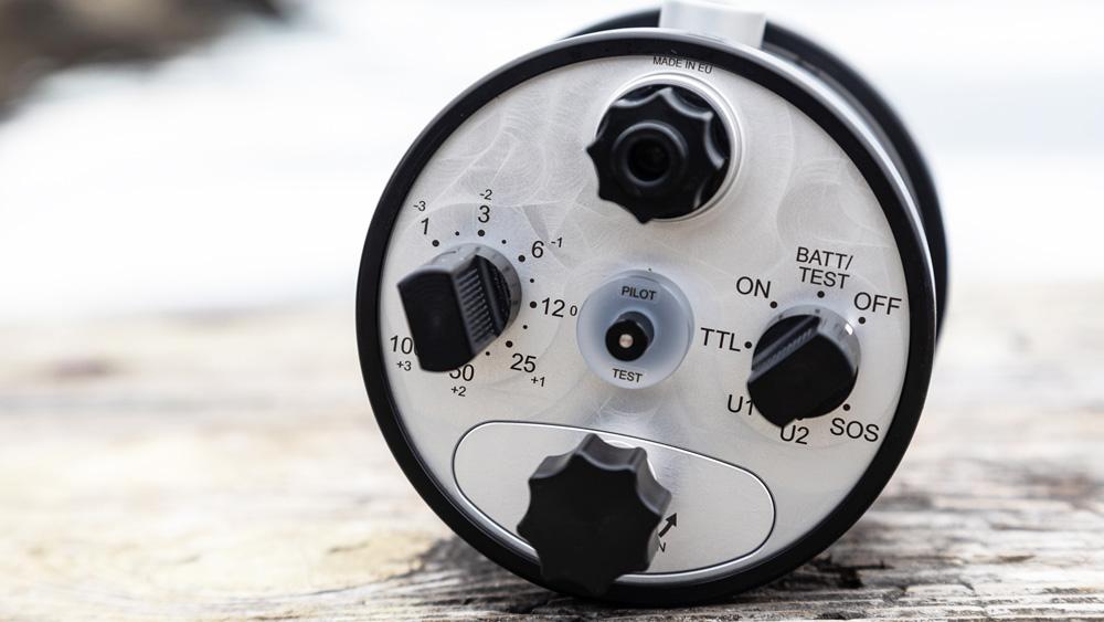 Retra Pro Flash control dials